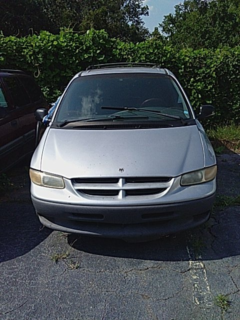 Pre-Owned 2000 Dodge Grand Caravan SE