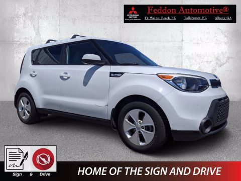 Pre-Owned 2015 Kia Soul Base FWD